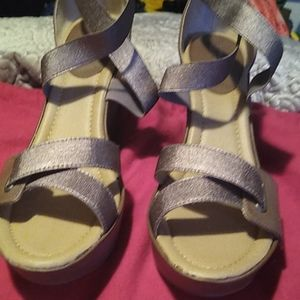 Brand new wedge Kenneth Cole